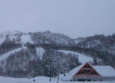 キロロスノーワールドも吹雪く。