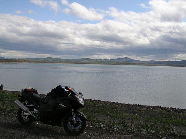 コムケ湖&バイク.jpg