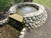 公園内に設置されている溜池2