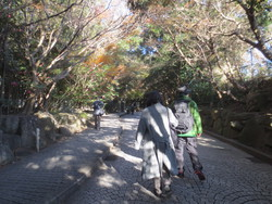 鎌倉:孫娘の展覧会&鎌倉文学館