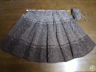編みかけがふえてきた~