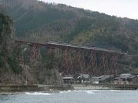 餘部橋梁とキハ181はまかぜ