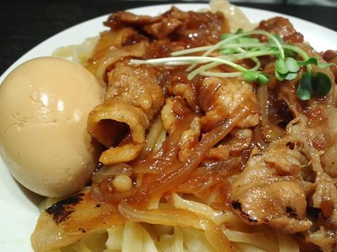 魁 肉盛りつけ麺 六代目 けいすけ (湯島) 味噌らーめん