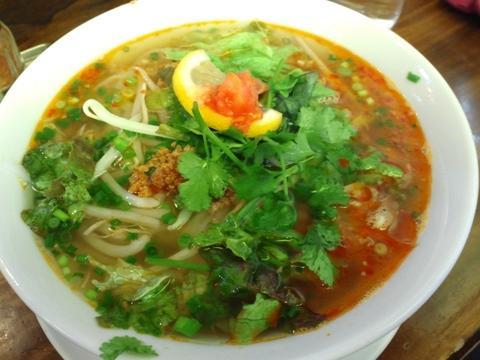 アジア屋台FO (三軒茶屋) 鶏肉と野菜のフォー