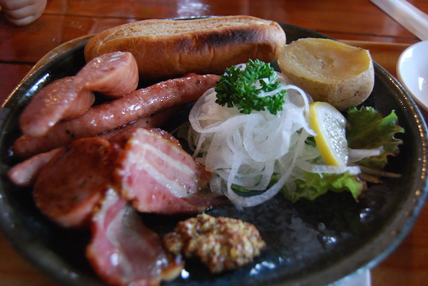 赤井川村で親しんだ 可愛い動物と美味しいお肉