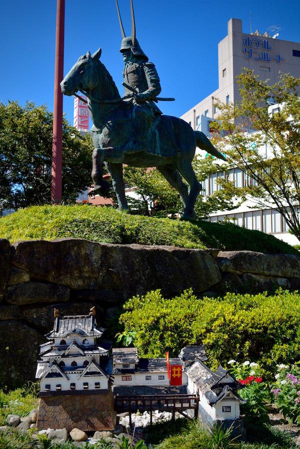 国宝 彦根城天守閣と「井伊の赤備え」に感じる思い