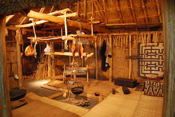 北海道の歴史文化を巡る旅 お供にいかが?