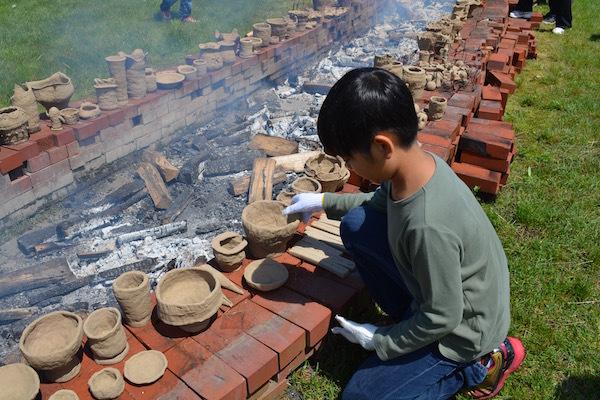 ドッキドキ!縄文式土器を焼いてみよう! 北海道博物館