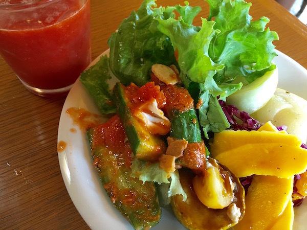 隣でとれた新鮮な野菜を美味しく 長沼町 CRESS