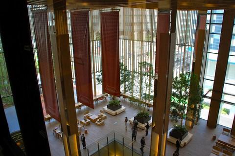 札幌三井JPビルの商業施設「赤れんがテラス」がプレオープン