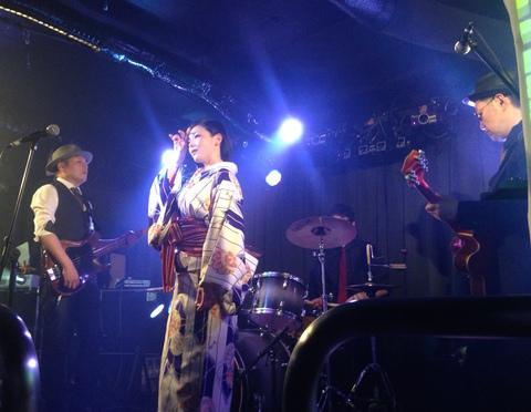 「永遠の昭和歌謡ロック」 エル・コラソンズが札幌でライブ
