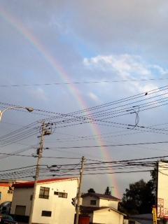魅せられた最終の的場 久々の虹