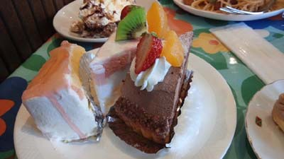 ぷちどーるのケーキ&軽食バイキング