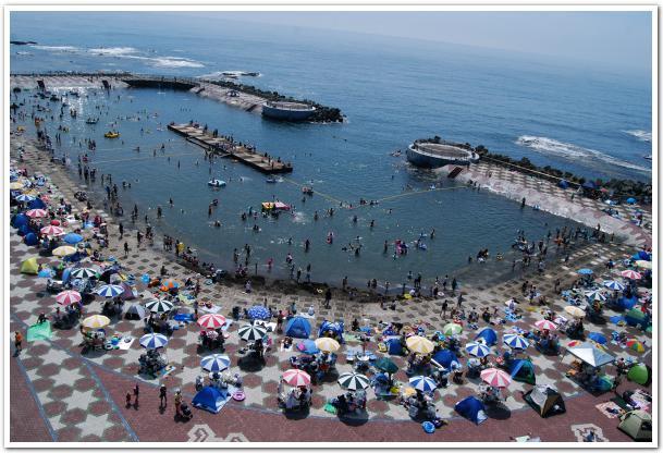 乙部町で快水浴!地球も丸い 海のプールでマリンフェス!