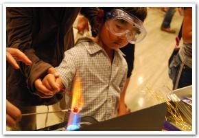 お腹いっぱい科学を満喫!「青少年のための科学の祭典」 1