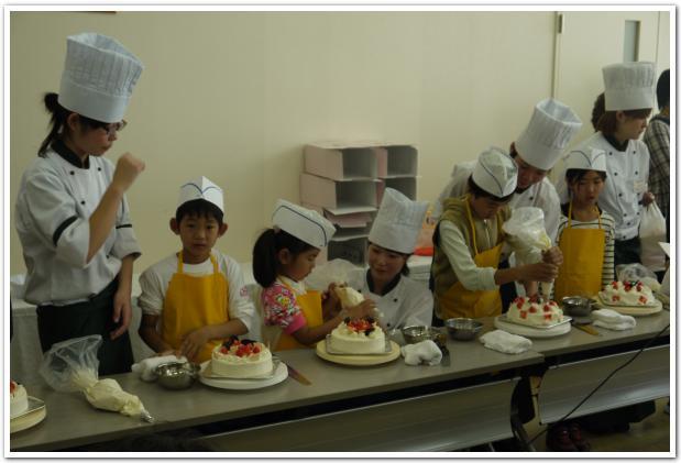 満腹なのに まだまだ行けちゃう! 函短製菓専門学校学園祭