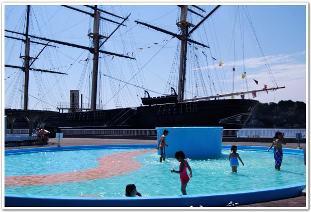 江戸幕府 最強艦「開陽丸」の横で楽しむ海水浴はいかが?