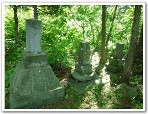 岩で繋がる 乙巳役海軍戦死碑と函館護国神社