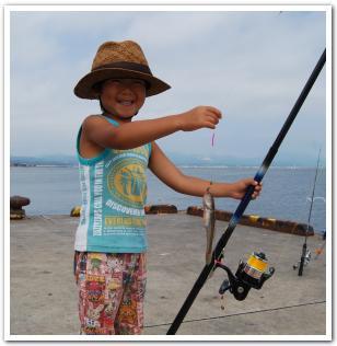 函館港「万代埠頭」で魚釣りをしてみた