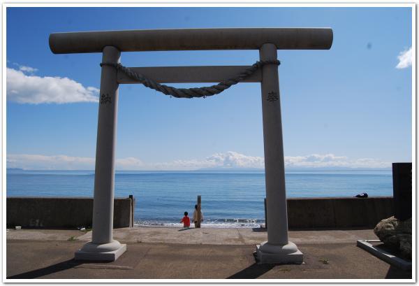 気になるなぁ〜サメの神様と「佐女川神社」