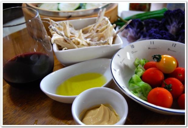 歴史ある町「湯の川」で味わう総菜と野菜