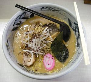 「胡桃」の特製くるみラーメン