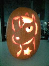 うまたせパンプキン完成 カボチャ色の馬と騎手ありがとう!