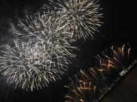船上から日本一早い花火大会!