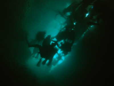 青の洞窟:真栄田岬