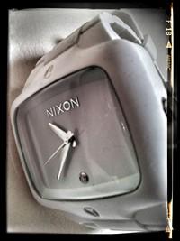 ニクソン腕時計電池交換難民日誌