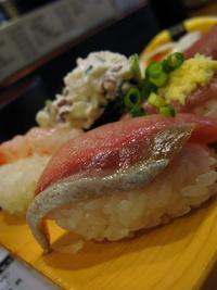 神保町 「廻るお寿司 うみ」
