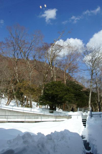 雪に囲まれた箱根