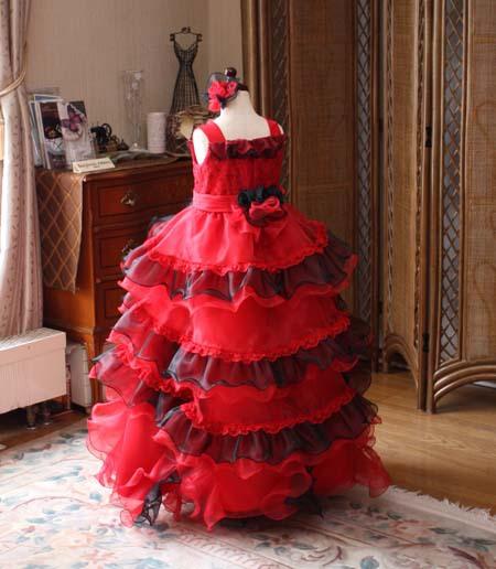 子供用ドレス ティアードスカート ブラックとレッドのドレス