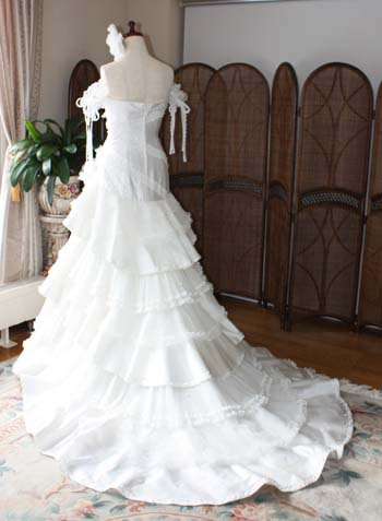 ウェディングドレス マーメイドライン バックスタイル