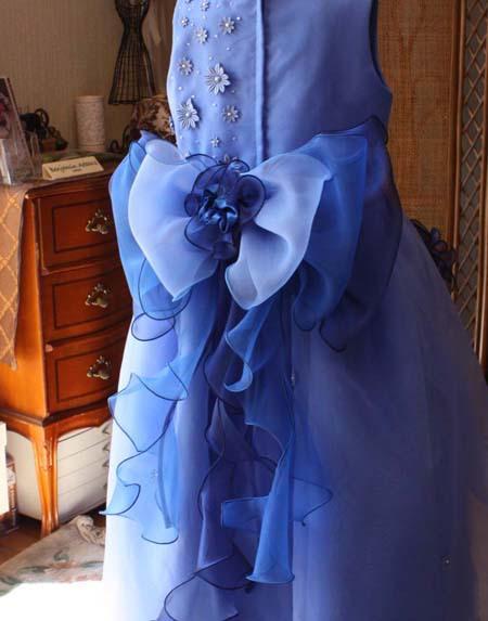 リボンデザイン 子供用の発表会ドレス
