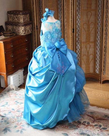 コンクールドレス 発表会ドレス バックスタイルのデザイン