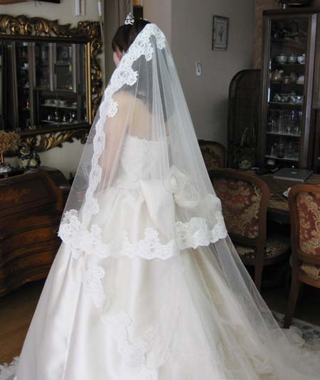 ウェディングドレス ベールとグローブの相性