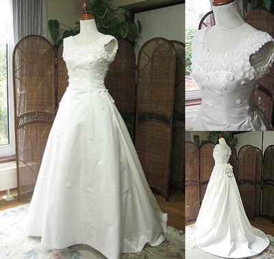 ウェディングドレスからベビードレスにリメイク