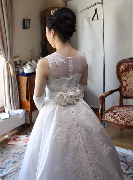 ウェディングドレスの最終チェック