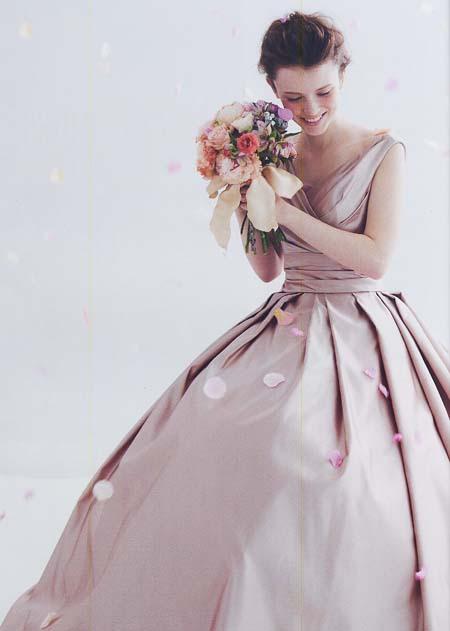 新作お色直しカクテルドレス。札幌のドレスショップ