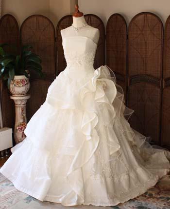 ウェディングドレス 花嫁サイズで購入 国内生産