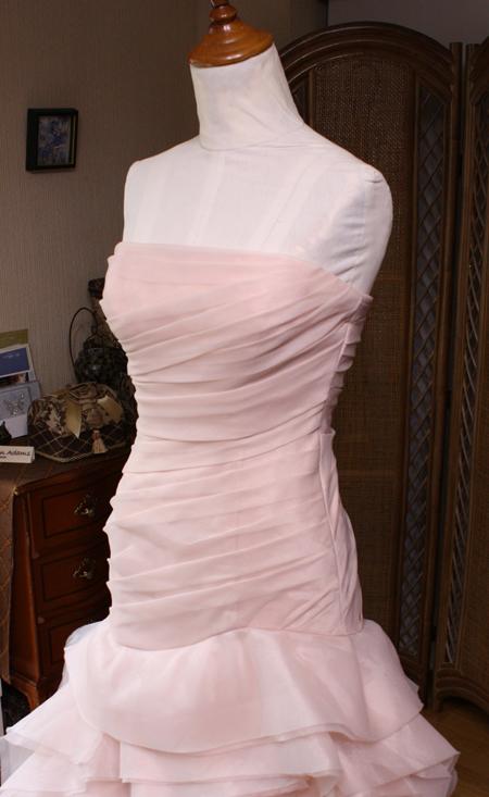 購入されたドレスのサイズとシルエットを修正