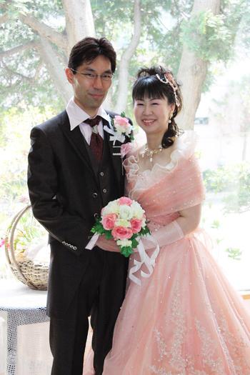 カラードレスとタキシードの相性。暖色編