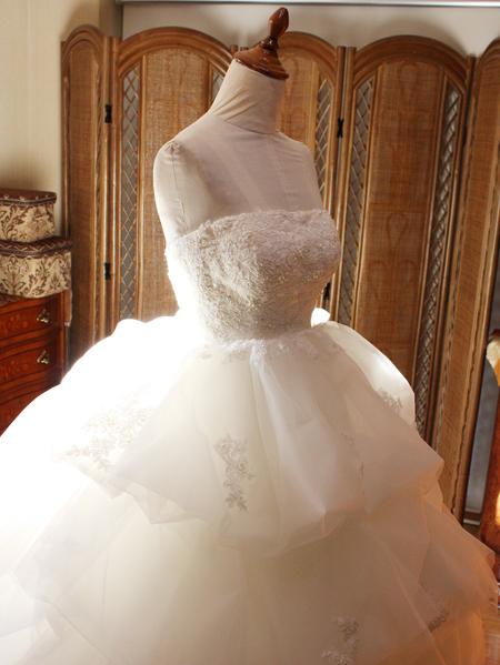 ウェディングドレスの修正とリフォーム