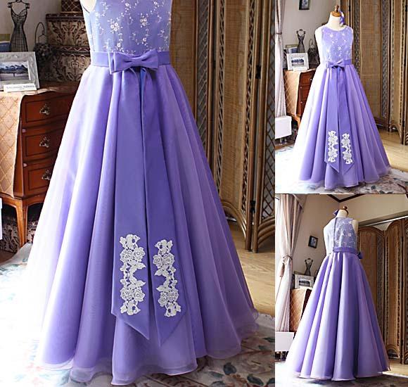 ポイントデザインとドレスの細部デザイン