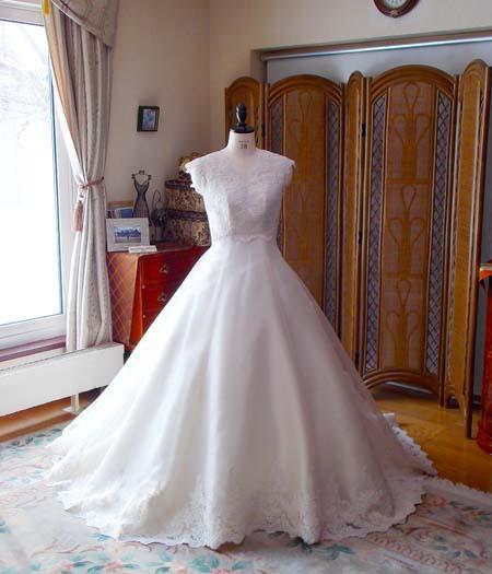 シルクウェディングドレスの魅力 オーダーメイドドレス