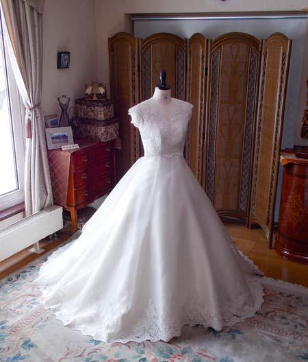 札幌のウェディングドレス 花嫁様のオーダーメイドドレス