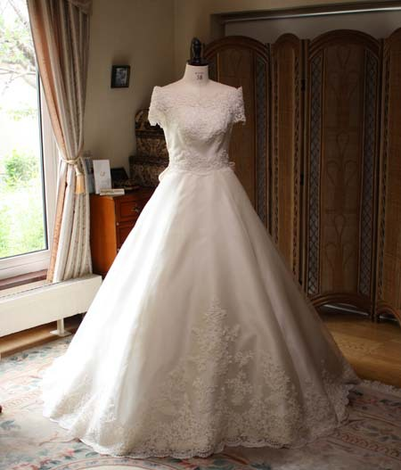 メタモールフォーゼ ウェディング札幌 ウェディングドレス