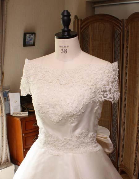 オフショルダーデザイン ウェディングドレス