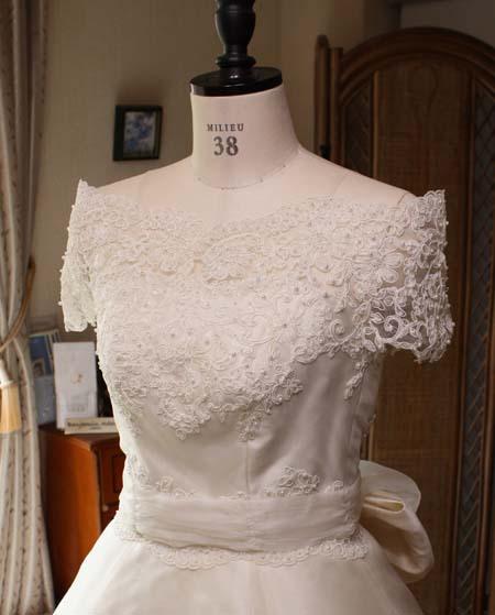 オフショルダー ウェディングドレス デザイン